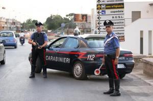 cadavrele-doi-romani-asasinati-italia-au-fost-gasite-portbagajul-unei-masini1380720854